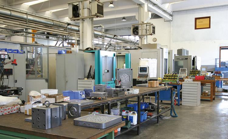 Anpa stampi design stampi moderni materie plastiche for Design ufficio napoli